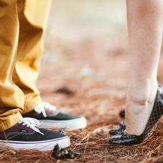 feet-1779064_1920